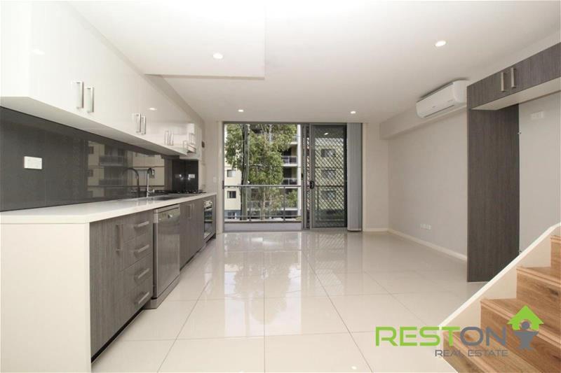 BLACKTOWN - MODERN APARTMENT ONLY MINUTES WALK TO SHOPS AND STATION!