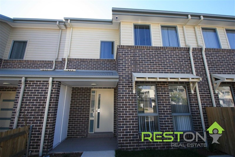 CRANEBROOK - LARGE EXECUTIVE TOWNHOUSE… ABSOLUTELY PERFECT!