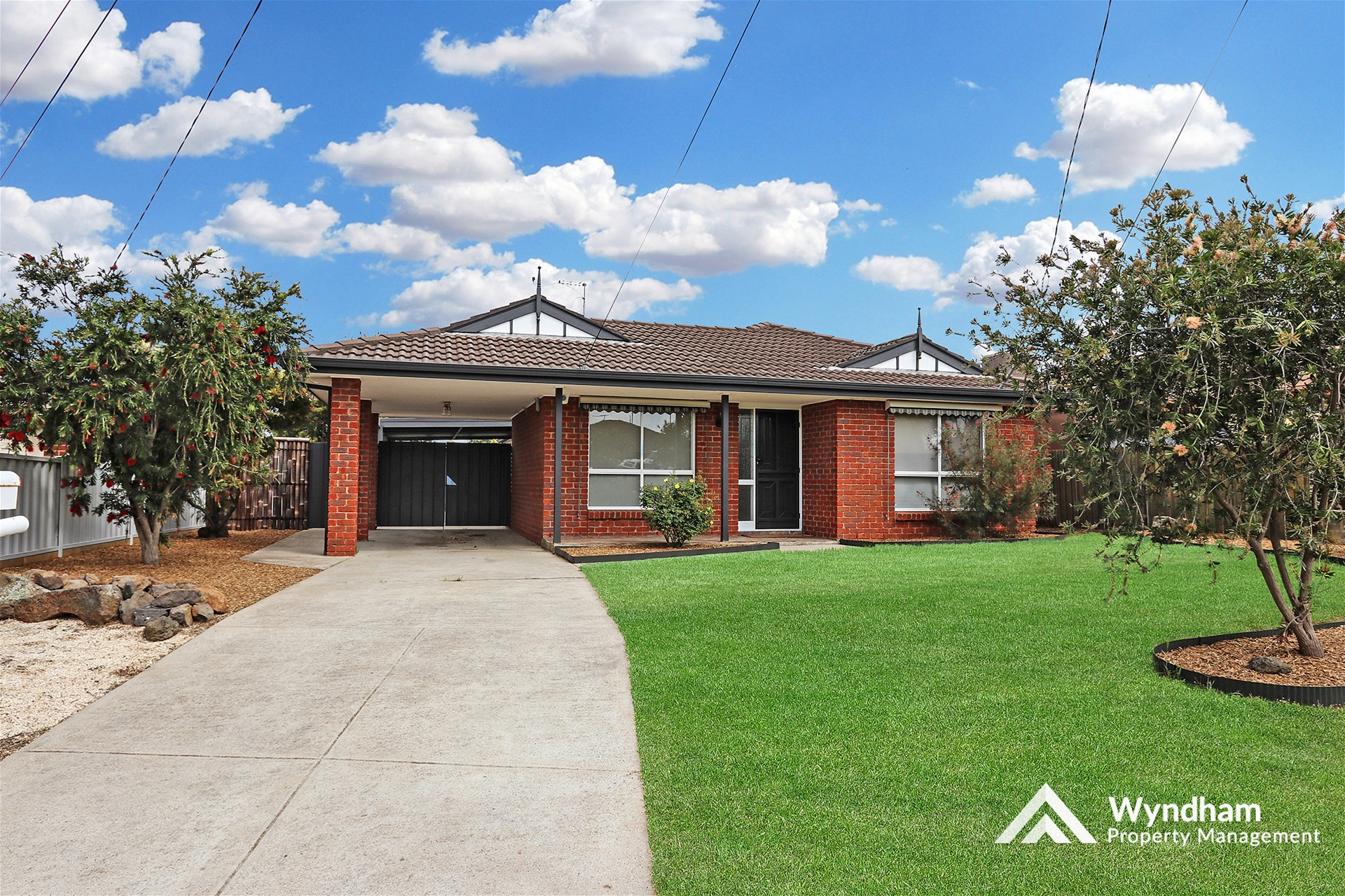 Perfectly maintained home in court location