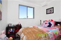 2/128-132 Woodville Road MERRYLANDS, NSW 2160